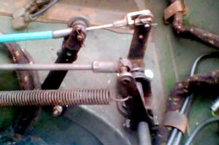 Modified braket mounted in a Series Land Rover