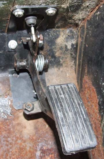 Defender throttle pedal modified to fit  Series Land Rover